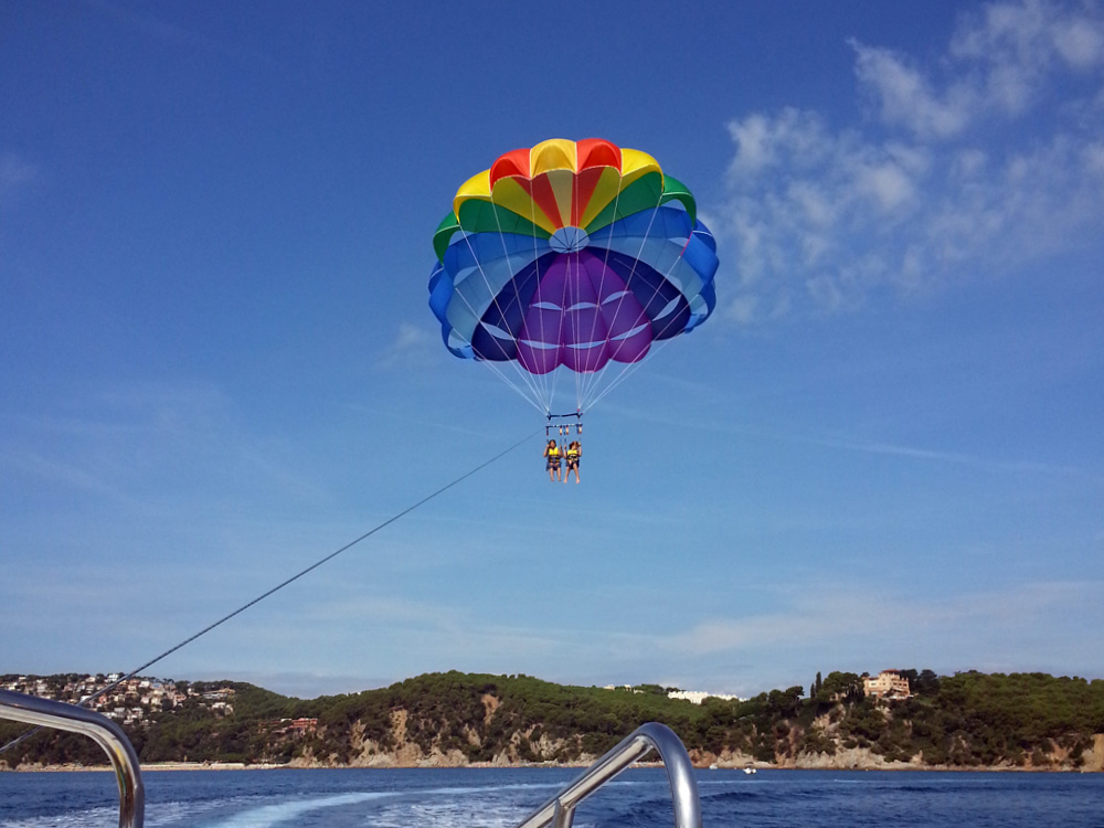 Water Sports Fenals - 54d61-Parasailing22.jpg